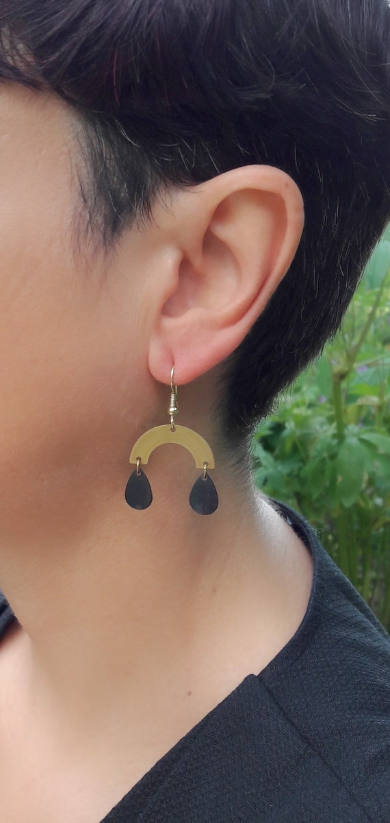 Gold Brass Earrings Geometric Arcs U shape and black drops, brushed brass pendants with steel hooks