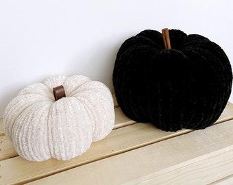 home | knit velvet pumpkin