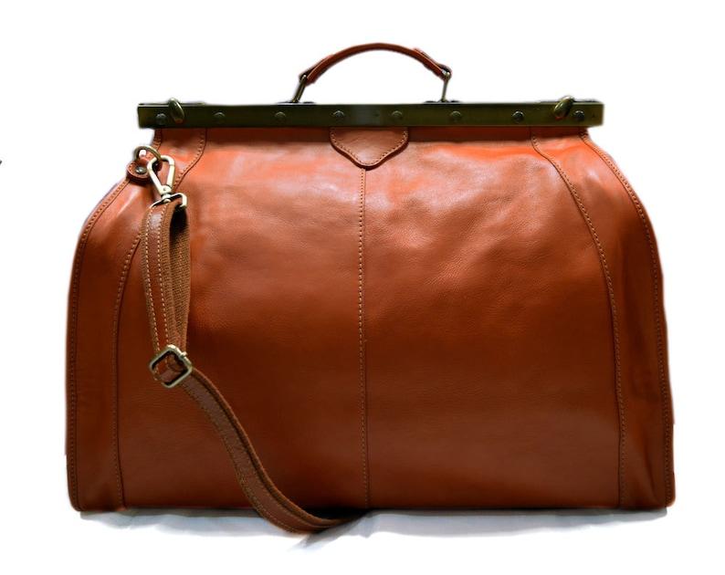 49fd36500 Bolso de viaje de cuero doctor bag bolso doctor en piel bolso   Etsy