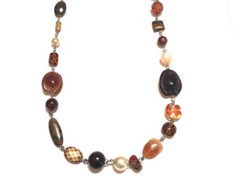 Necklace. Earth. Brown. Agate, stone, nuts, howlite, glass, wood.