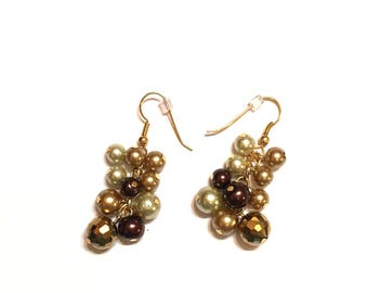 Earrings. Brown and Gold. Cluster.