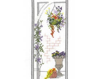 Town Garden - Basket - Counted Cross Stitch Kit. All materials included - evenweave fabric, 13 colours stranded cotton pre-sorted, needle