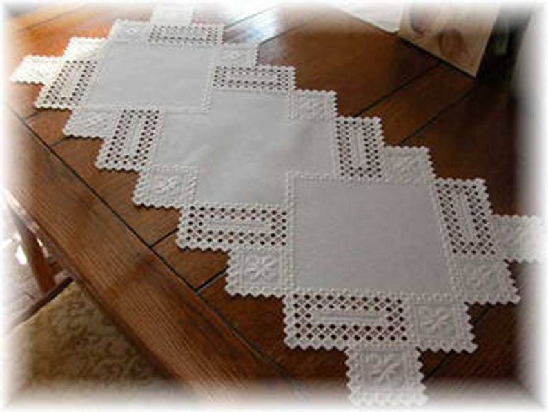 Table Runner Hardanger Chart to work on 28 count evenweave image 0