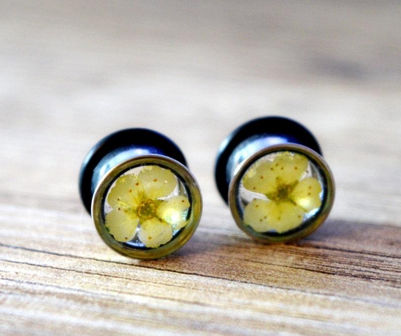 flower plugs flower gauge earrings real flower plugs ear plugs floral ear tunnels flower ear plugs flower tunnels ear tunnel girly plugs