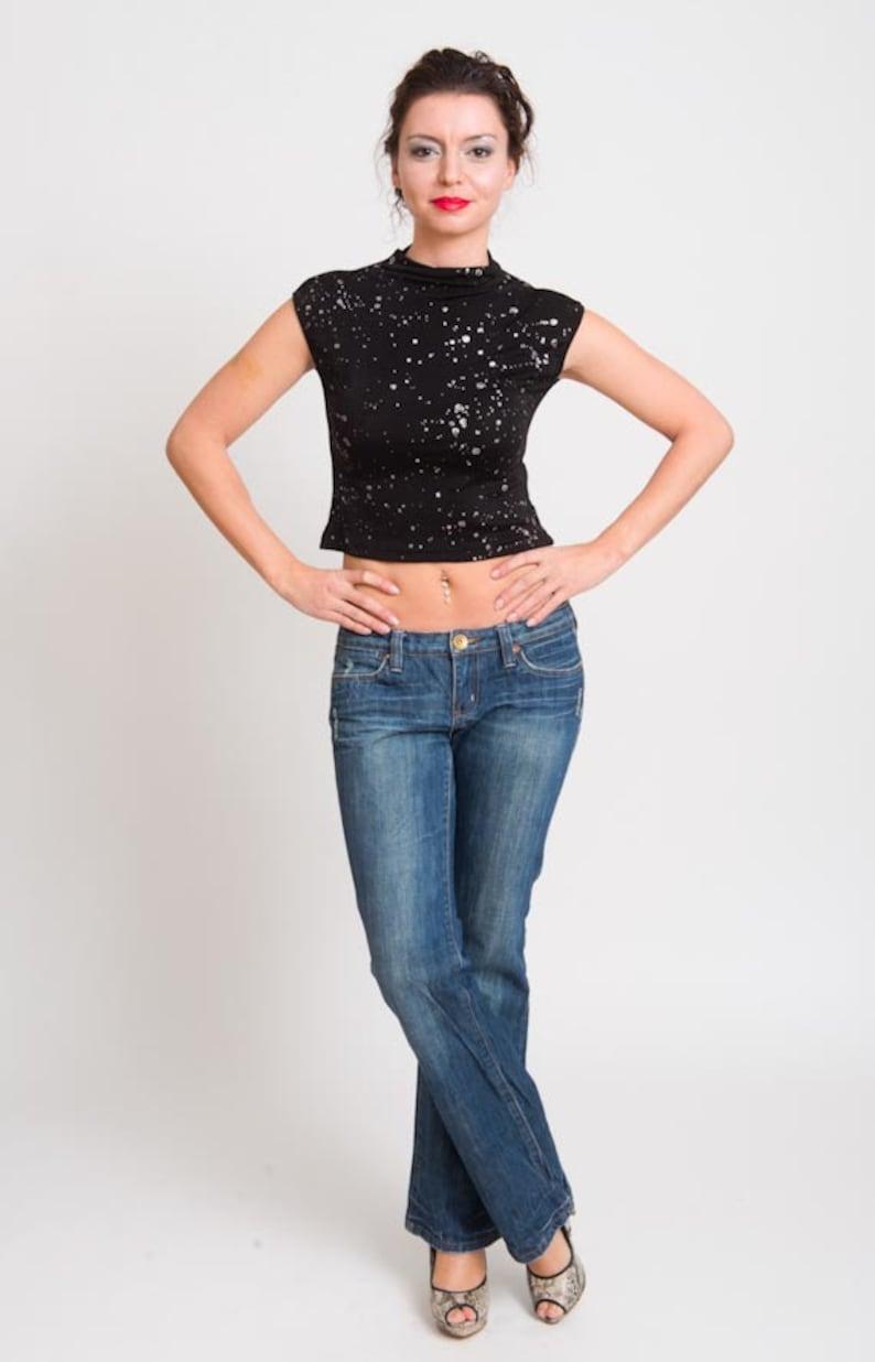 12446aadf79628 1990s Metallic Top Black Sparkly Cropped Shirt Vintage 90s