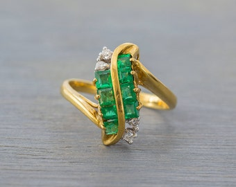 18k Yellow Gold S Shaped Emerald Diamond Ring - Vintage 1980s - Retro Engagement Anniversary Ring - May Birthstone