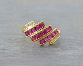 14k Gold Ruby Diamond Geometric Ring - Vintage Yellow Gold Ruby Ring  - 1980s Retro Anniversary Gift Wife, Girlfriend - July Birthstone