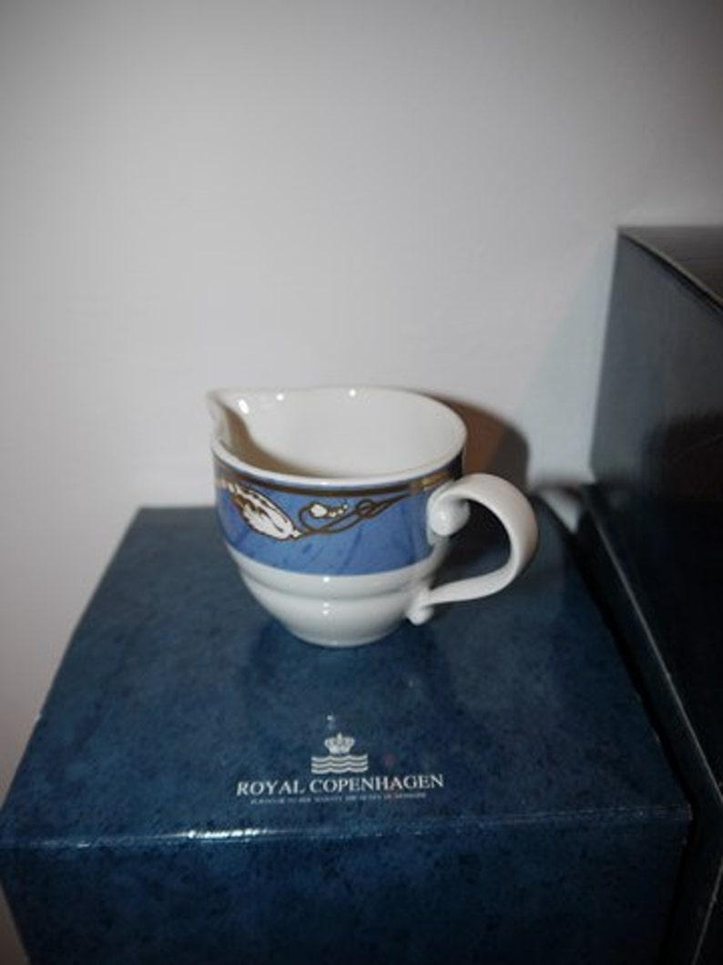 Creamer- Denmark 1990 -Unused Blue Magnolia Royal Copenhagen