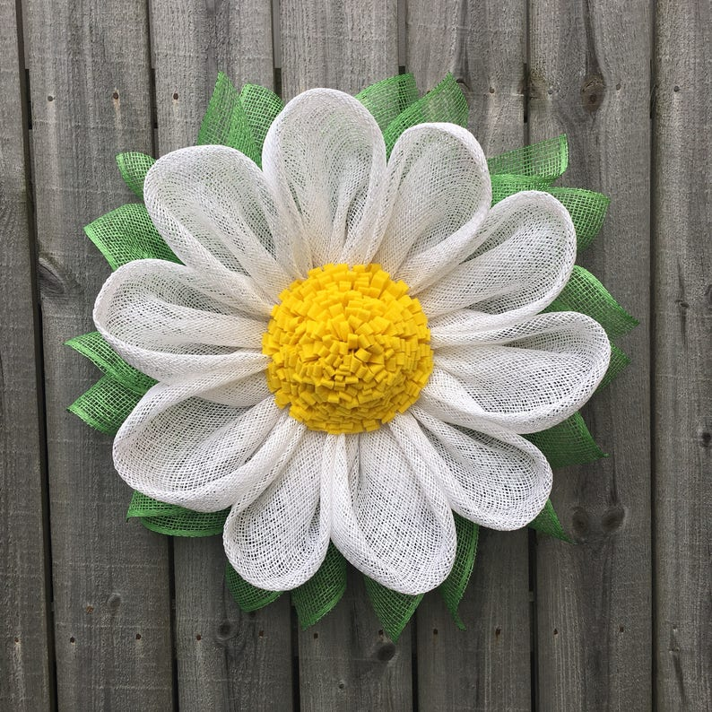 Daisy Wreath Summer Wreath Spring Wreath Gerber Daisy Burlap Wreath Mother/'s Day Gift Handmade Wreath Daisy Front Door Wreath