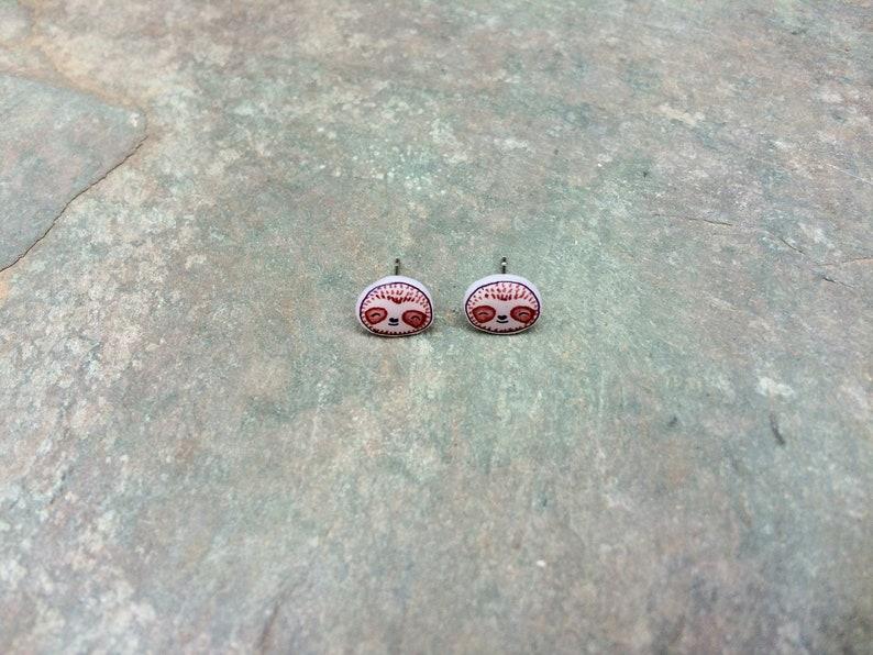 Adorable kawaii style sloth earrings Sloth accessories. Sloth earrings