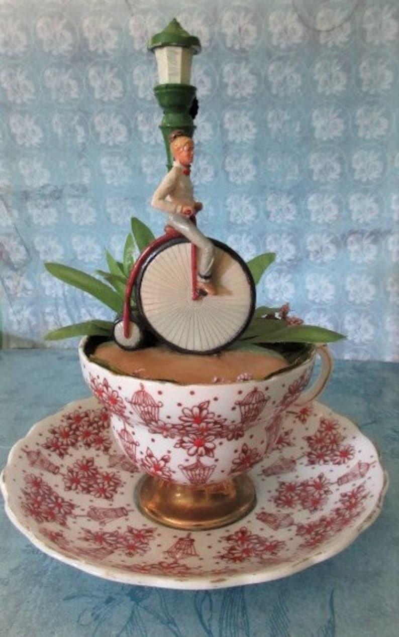 Victorian Teacup Garden image 0