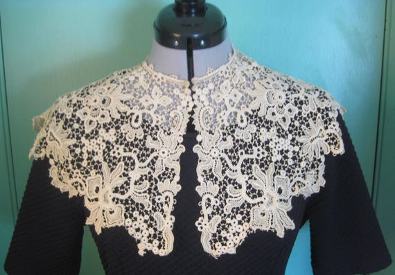Victorian Wide Lace Collar, Vintage - image 3
