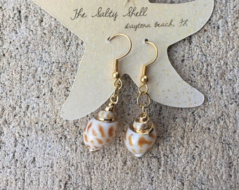 Small Shell Earrings, Gift Mom, Hypoallergenic, Seashell Jewelry, Beach Wedding Jewelry, Summer Earrings, Holiday Gift for Her, Mermaid