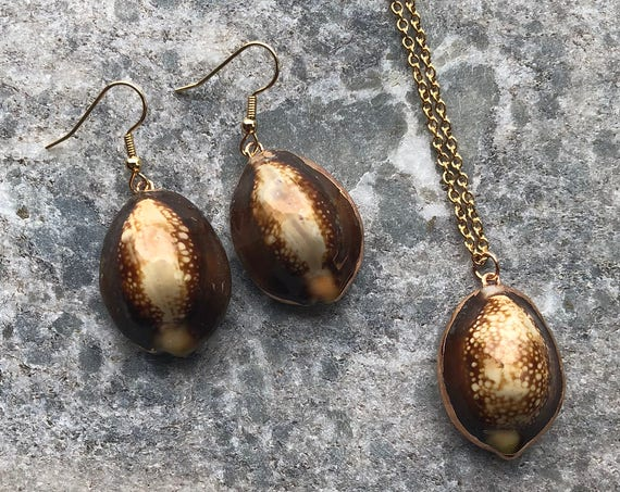 Brown Leopard Print Cowrie Shell Jewelry Set