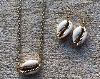 Small Shell Jewelry Set