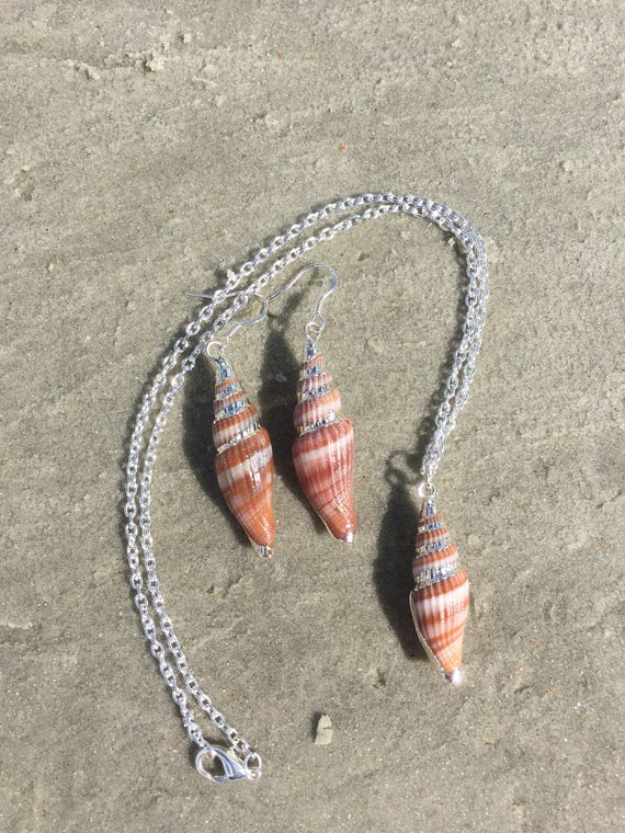 Miter Shell Jewelry Set in Silver