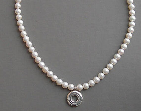 Open Hole Key and Pearl, Ivory 6.5mm Pearls (no seed pearls)