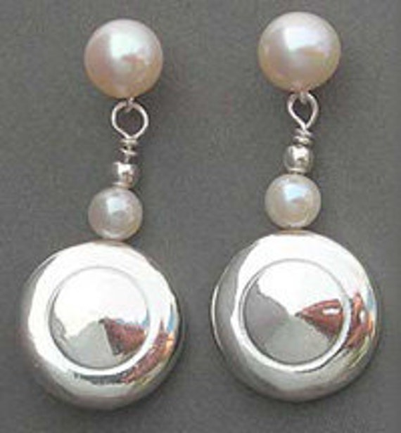 Tiny Trill Flute Keys and Pearl Earrings (Item: E120)