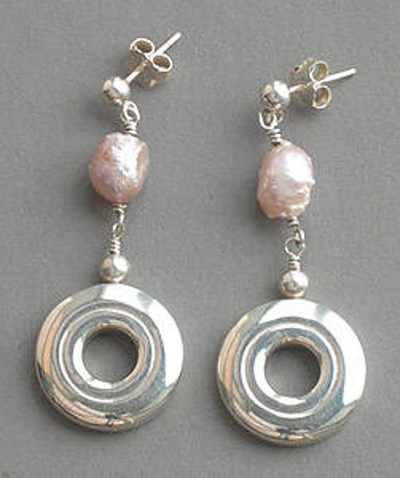 Open Hole Flute Key with Rosebud Pearl Dangle Flute Earrings