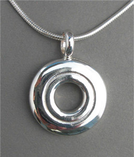 Open Hole Pendant (Item: N112)