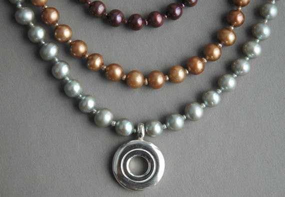 Open Hole Flute Key Necklace with Colored Pearls