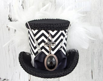 Black and White Zigzag Medium Mini Top Hat Fascinator, Alice in Wonderland, Mad Hatter Tea Party, Derby Hat