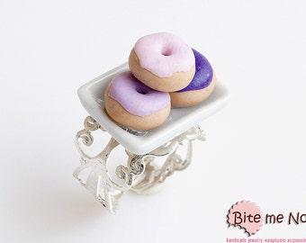 Food Jewelry Mini Donuts on a Plate Ring, Doughnuts Ring, Polymer Clay Sweets, Miniature Food, Kawaii Jewelry, Cute Jewelry