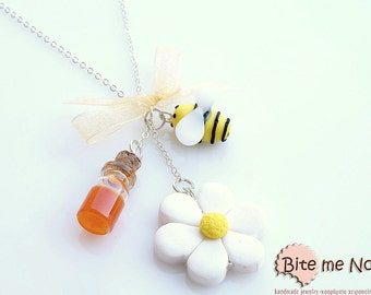 Mini Food Flower Bee and Honey Necklace, Polymer clay Jewelry, Miniature Food, Food Jewelry, Miniature sweets, Cute Jewelry, Kawaii Jewelry