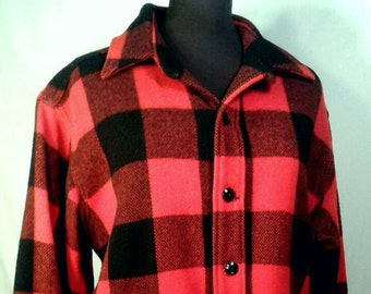 Vintage Maine Guide Wool Shirt Jacket Red And Black Buffalo Check Plaid 1960's 1970's Congress Outerwear Hunting Camp Men's Size Large XL