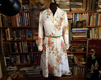 1970's Dress Floral Pattern Over White Red Poppies Long Sleeve Open Button Cuff Spring Summer Vintage Knit Poly Fabric Womens Size 10 Medium