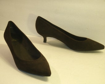 Stuart Weitzman Brown Suede Pumps Designer Dress Business Evening Shoes Low Heels Classy Women's US size 6.5 W Leather Sole Made In Spain
