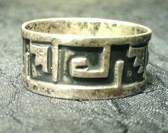 Vintage Sterling Band Ring Relief Tribal Pattern Wide 925 Silver Jewelry Greek Key Size 7.5
