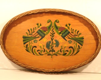 Toleware Basket Tray Large Hand Painted Wooden Base Wicker Vintage 1950's Mid Century Bird Flowers Art Country Charm Kitchen Serving Decor