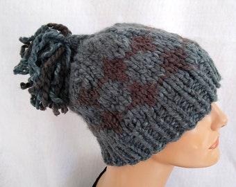 Hand knit chunky pompom beanie