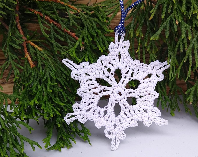 victorian lace christmas tree decoration