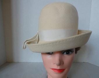 Vintage Winter White Wool Hat