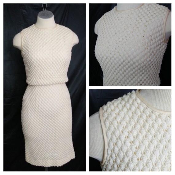 Size Medium   1950s Vintage Cream Crochet Dress  