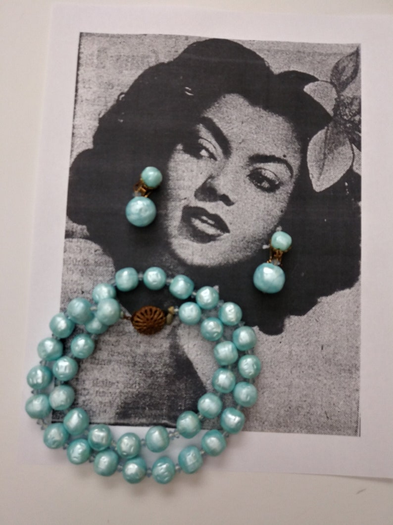 Mad Men Costume Jewelry 60s Baby Blue Faux Pearls Necklace and Earring Set| Mod Jewely Set Pretend Pearls