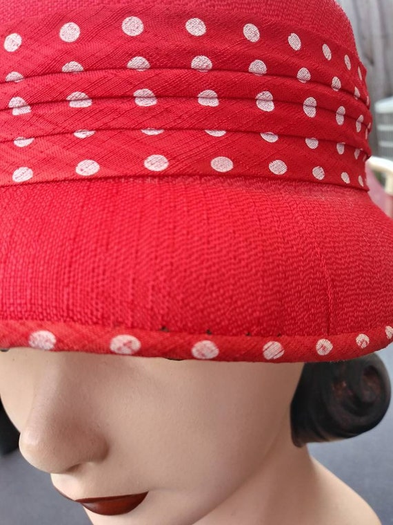 Vintage 1950s Women's Red Straw Hat with Polka Do… - image 5