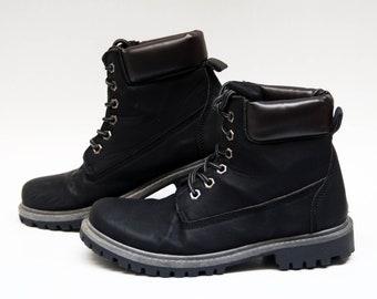 Dr. Martens Creme Beige echt und Wildleder Leder Stiefel Damen Midi Stiefel Rücken Reißverschluss Block Ferse Quadrat Fuß Naturfell Vtg Stiefel US 7