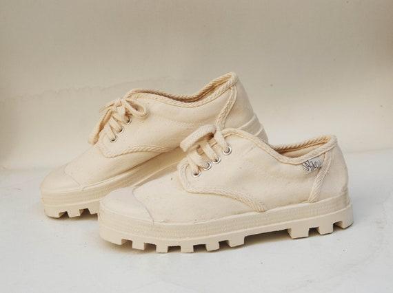 heel vintage canvas shoes