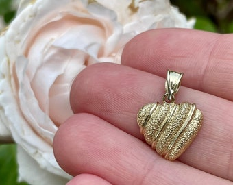 Dainty Heart Charm Pendant, Textured 14k Yellow Gold, Sweetheart Love Token Talisman, Anniversary Gift for Her, Vintage Estate Jewelry