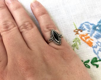 Vintage Sterling Silver Ring, Faux Black Onyx Cocktail Ring, Tiny Flower Ring, Dainty Navette Pinky Ring, Jewelry Gift For Her, Size 5