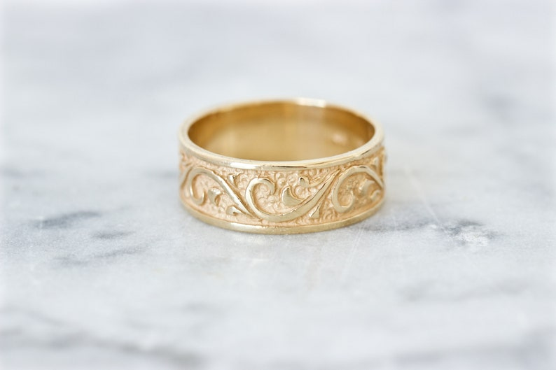 Engraved Scroll Wedding Band Size 6 14k Yellow Gold Eternity image 0
