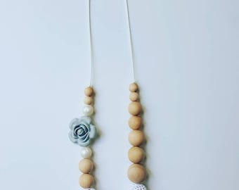 Nursing Necklace. Crochet Nursing Necklace. Teething necklace. Natural jewelry.  Wood nursing necklace. Rose and pearl silicone necklace