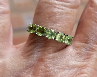 02747d719bab peridot ring size 7 1 2 1980 s 1ct genuine natural peridot EXCELLENT  SPARKLY GEMS estate vintage sterling ring