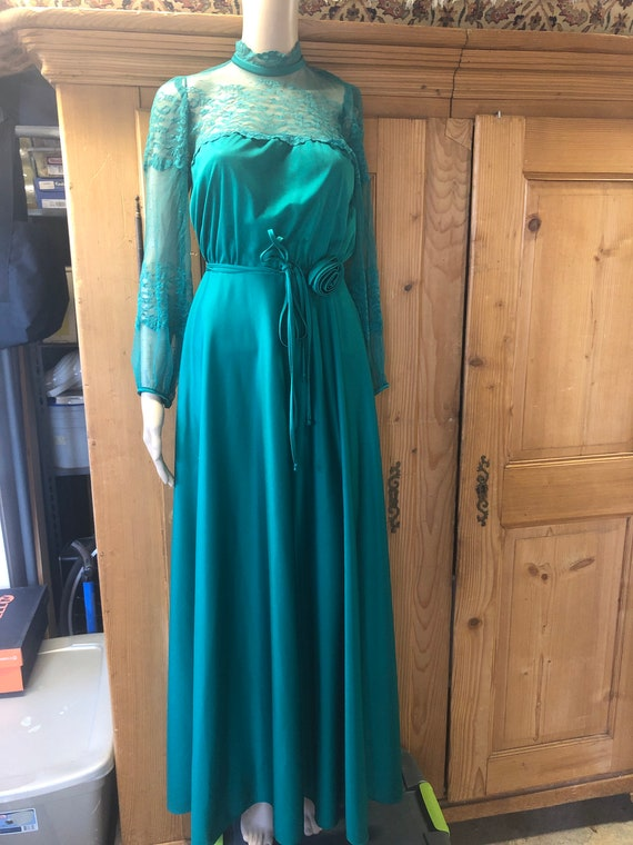 Long sleeved high neck vintage gown #716