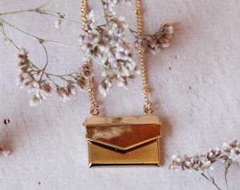 You've got a mail necklace