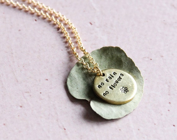 Personalized disc tag 1,6 cm Handstamped necklace Engraved jewelry