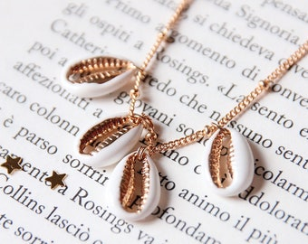 White and gold shell necklace